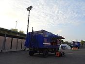 Die Netzersatzanlage des OV Bonn mit ausgefahrenem Lichtmast